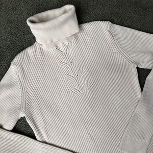 Isaac Mizrahi cream ribbed knit turtleneck sweater